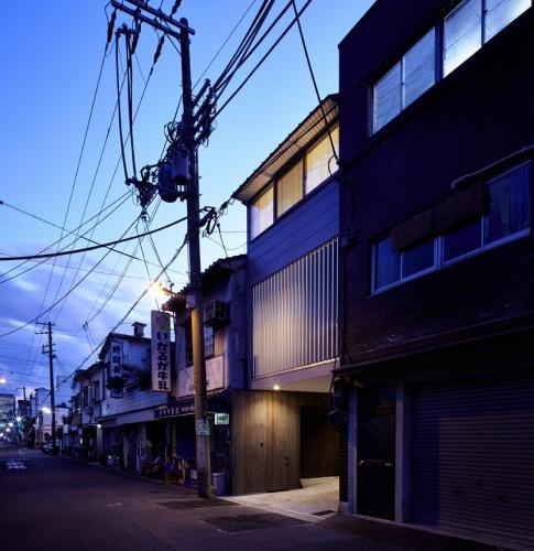 house33-00